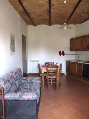 Appartamenti con ampio soggiorno e cucina a Fontecchio