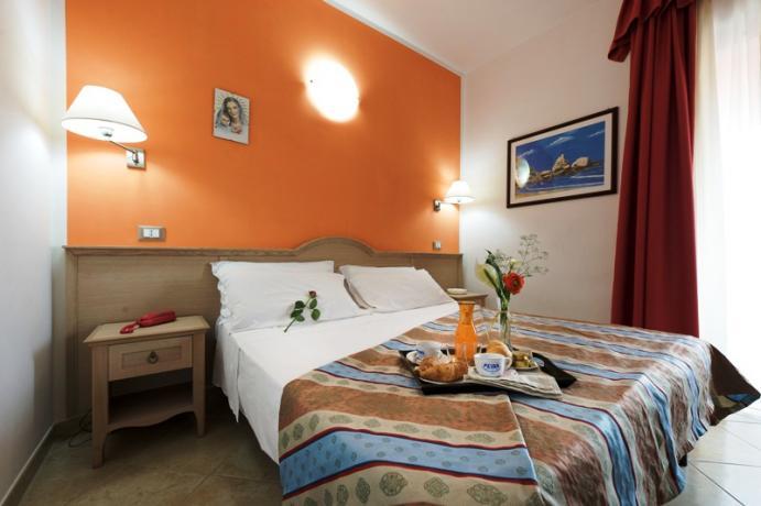 Hotel B&B con Ristorante vicinissimo spiaggia Rodi