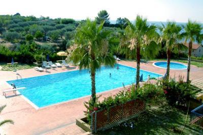 Appartamenti vacanza con piscina in Sicilia Messina