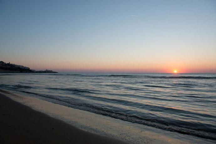 Un suggestivo tramonto in Puglia