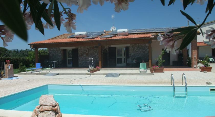 appartamenti-con-piscina-vicino-mare-argentario-agriturismo-relax-maremma