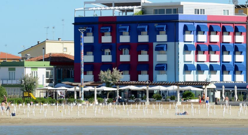 Hotel 3 stelle direttamente sul Mare a Fano