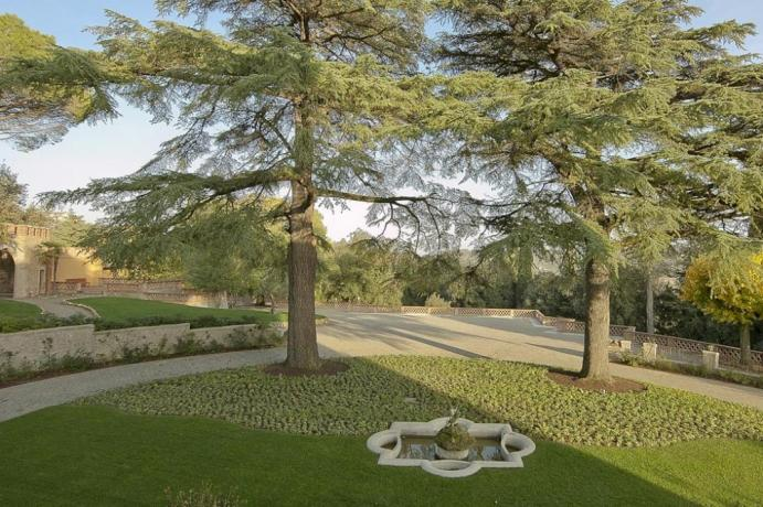 Parco giardino albergo 5stelle sul Lago Trasimeno