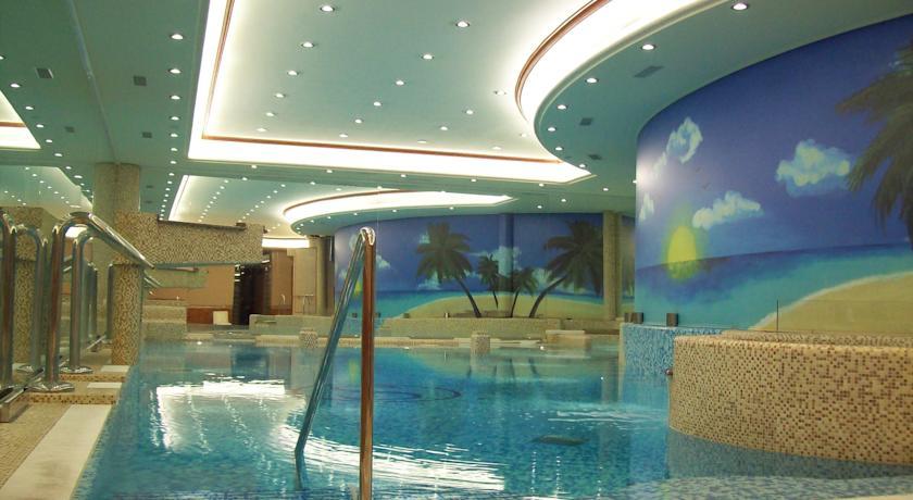 Camera superior per soggiorno vicino milano piscina coperta spa legnano ph wellness hotel - Piscina di legnano ...