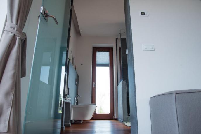 Bagno appartamento vacanza Lipari con set cortesia phon