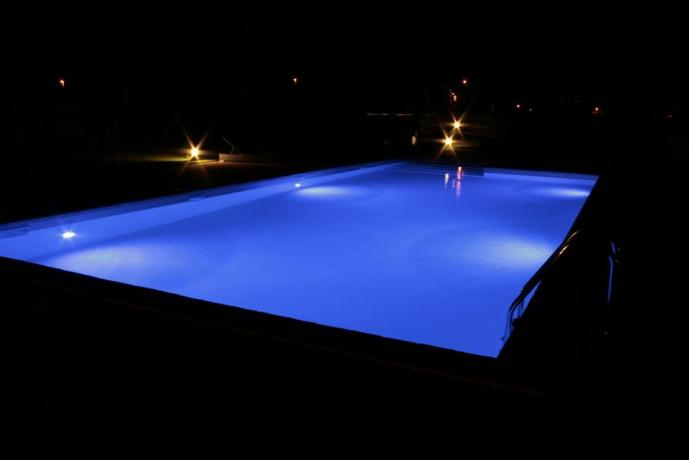 Appartamenti Foligno con piscina anche notturna