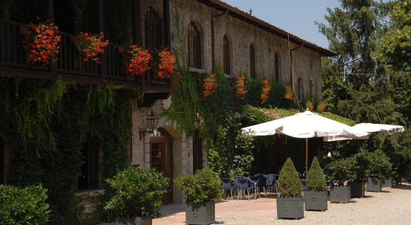 Elegante residenza con camere in Emilia