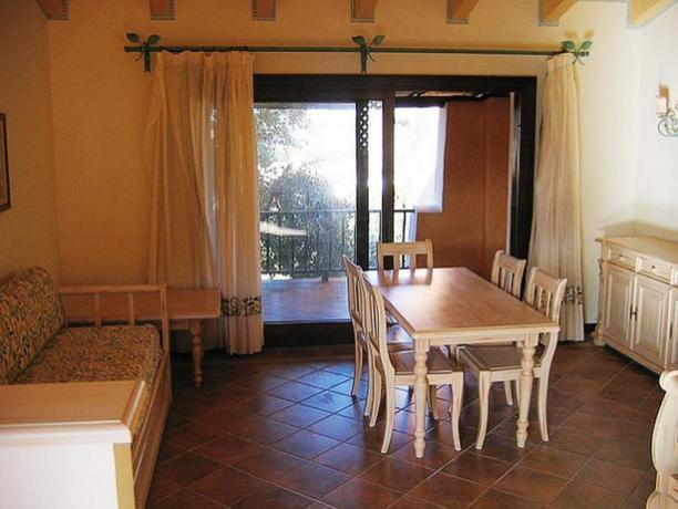Appartamento albergo con balcone vicino Porto Cervo