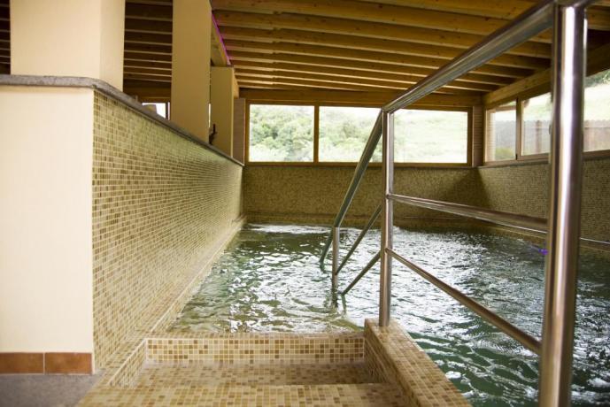 Agriturismo vicino Roma- piscina coperta idromassaggio