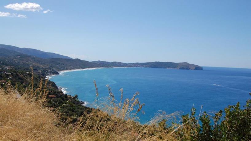 Spiaggia privata, fronte campeggio, baia Palinuro