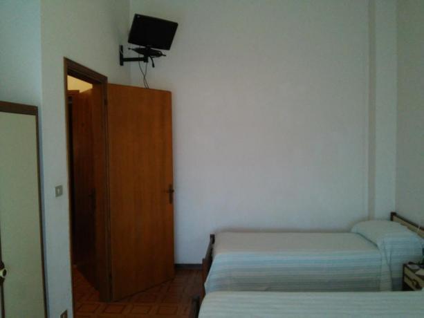 Camera doppia con TV vicino Cagliari