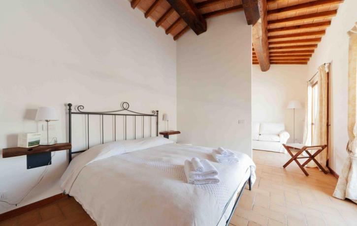 Agriturismo Terni appartamento con camera matrimoniale romantica