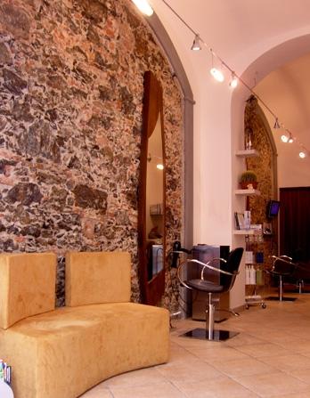 Saloni per acconciature arredamento barbiere arredamento for Arredamento barbiere prezzi