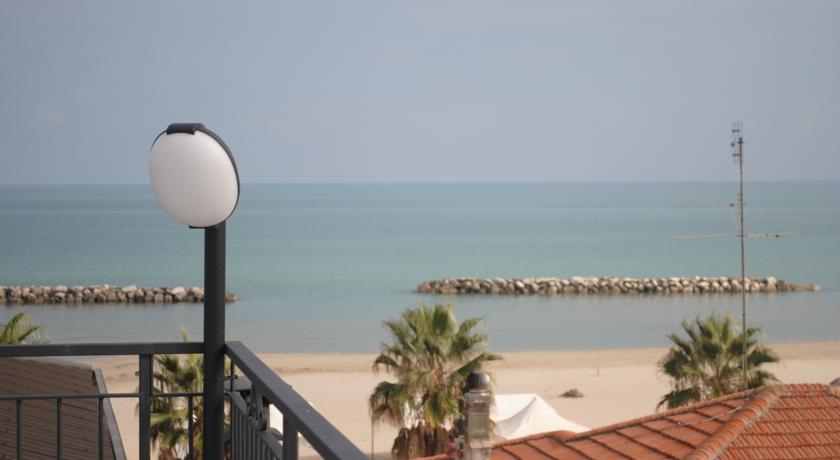 Hotel a 50 mt dal mare