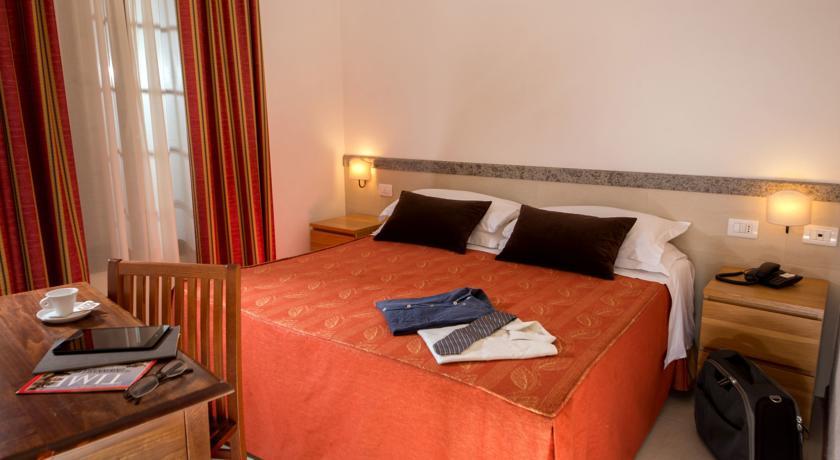 Camera Matrimoniale vicino Lago Bracciano e Roma