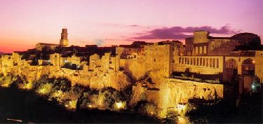 Charming Hotel Accommodation in Pitigliano in Tuscany