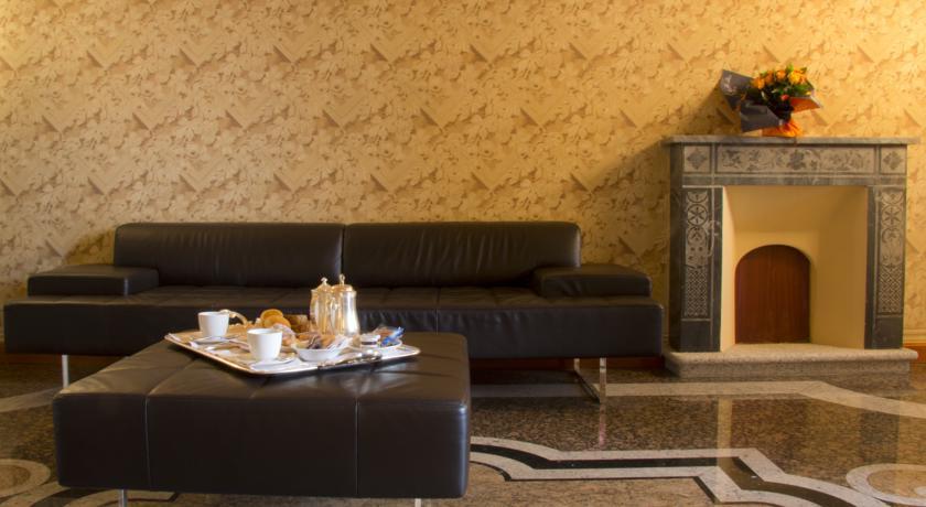 Reception del Relais Lago D'Orta ****
