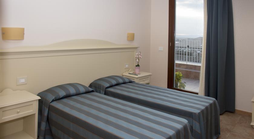 Hotel con terrazza vista mare di siracusa siracusa centro for Hotel siracusa 3 stelle