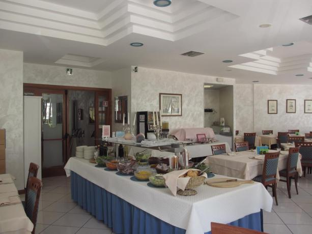 Buffet di verdure del Ristorante albergo a Bibione