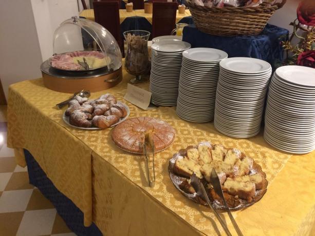 Colazione a Buffet Tipica a Trapani