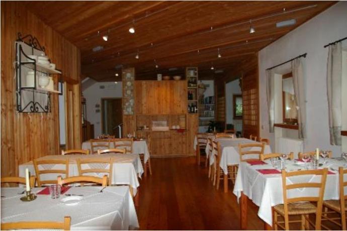 Agriturismo con ristorante Parco Adamello Brenta a Giustino