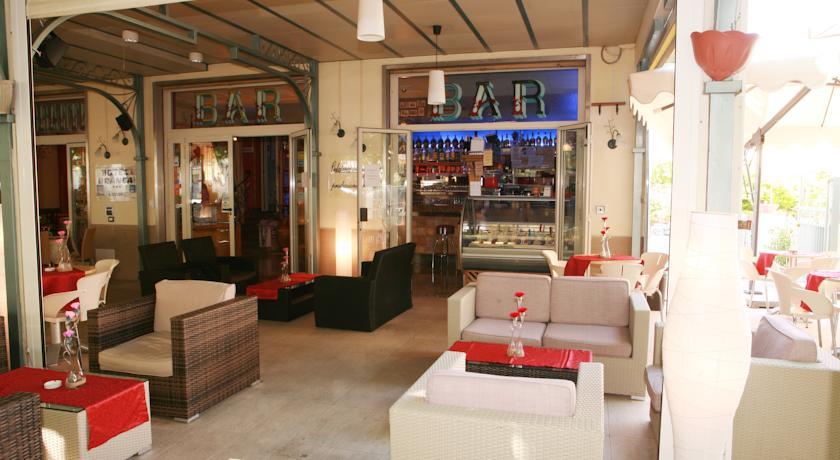 Bar dell'Albergo in Centro nel Golfo di Policastro