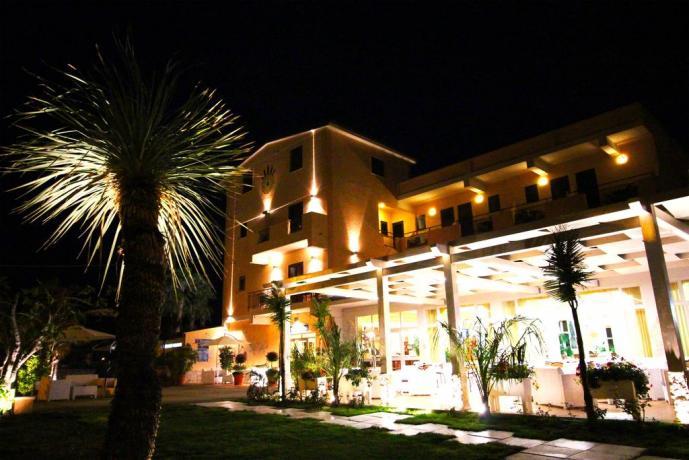 Hotel 3 stelle con piscina vicino Topea
