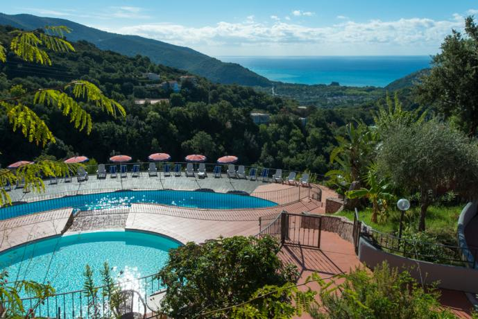 Resort con piscina all 39 aperto ristorante animazione piscine e solarium palinuro resort il - Hotel con piscine termali all aperto ...