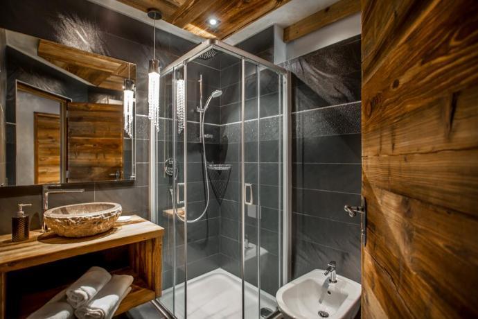 Elegante Bagno appartamento Chalet ad Alta Badia