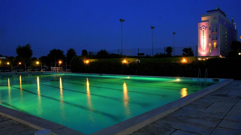 piscina hotel milano marittima centro