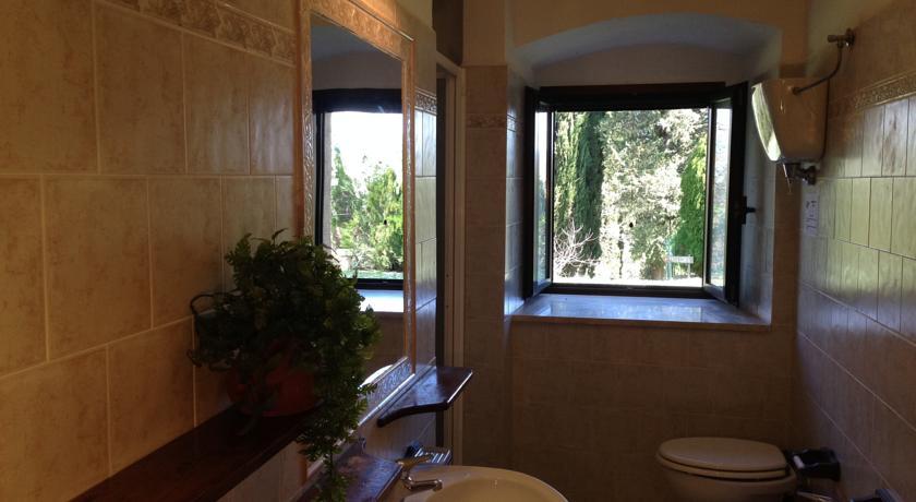 Bagno pulito per vacanze a Gubbio