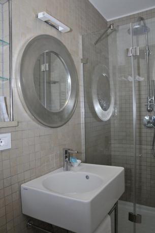 Bagno Camera con phon in Hotel vicino Latina