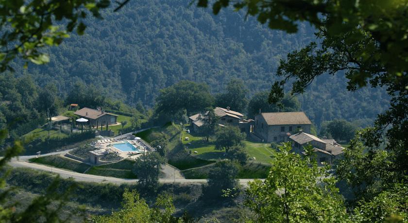 resort con camere immerse nella natura e quiete