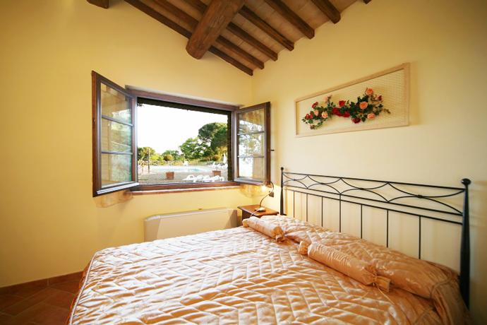 Casale Salcia, camere romantiche al Lago di Bolsena