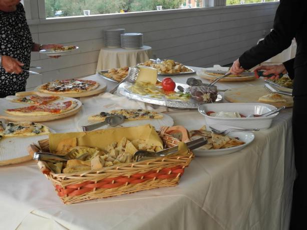 Ricco buffet ristorante albergo di Pesaro