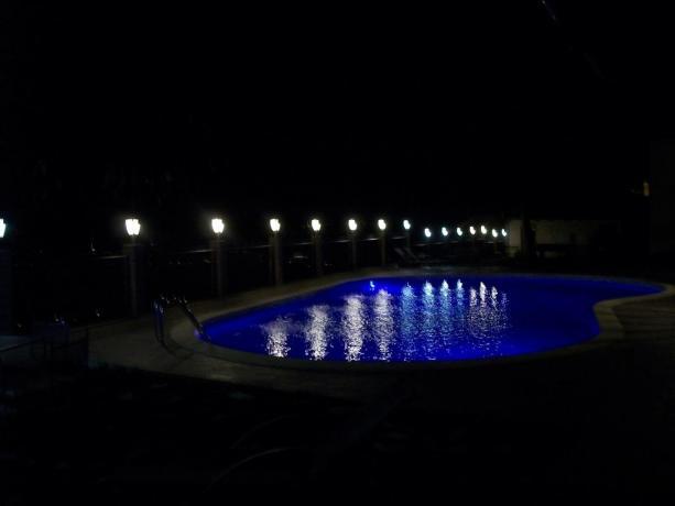 Bagno di mezzanotte romantico sulle colline di Trevi