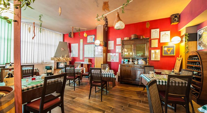 Ampia sala da pranzo in Hotel Emilia-Romagna