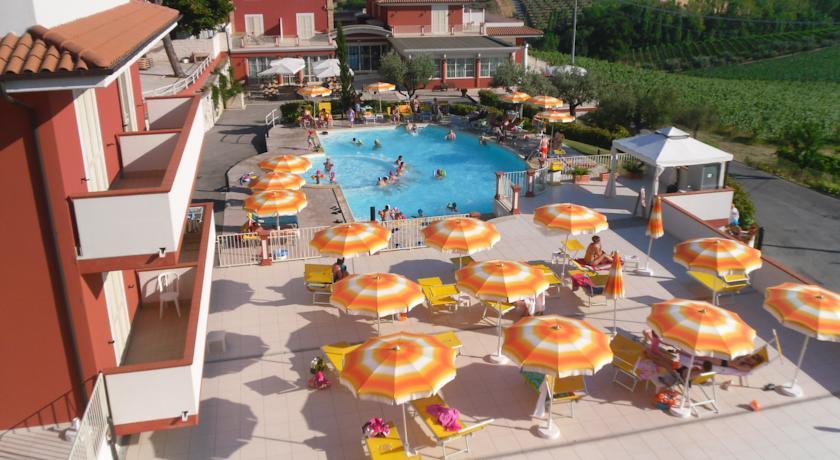 Hotel Residence con Piscina a Tortoreto