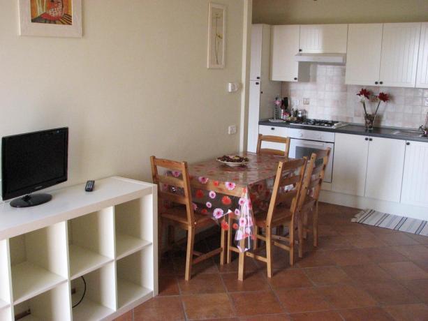 Cucina appartamento residence vicino Lago Vico
