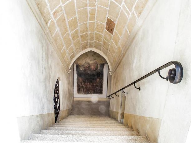 Hotel con eleganti affreschi in Puglia