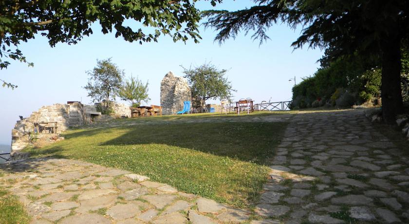 Ampio parco esterno attrezzato