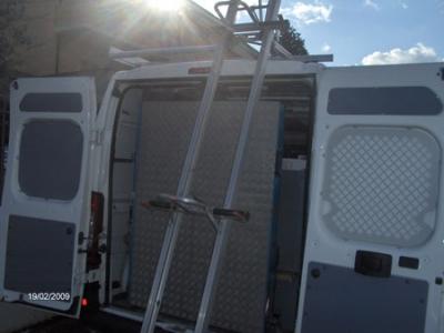 Portascala per furgoni ad uso commerciale