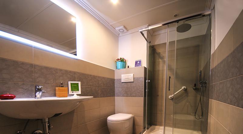 Comfort in camera con bagno a Minturno