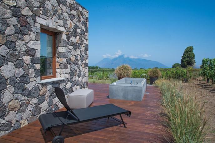 Relais patio esterno vasca idromassaggio 2 posti Lipari