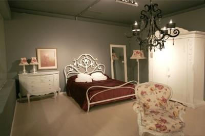 Camere da letto in umbria camere classiche e moderne in - Camere da letto ferro battuto ...