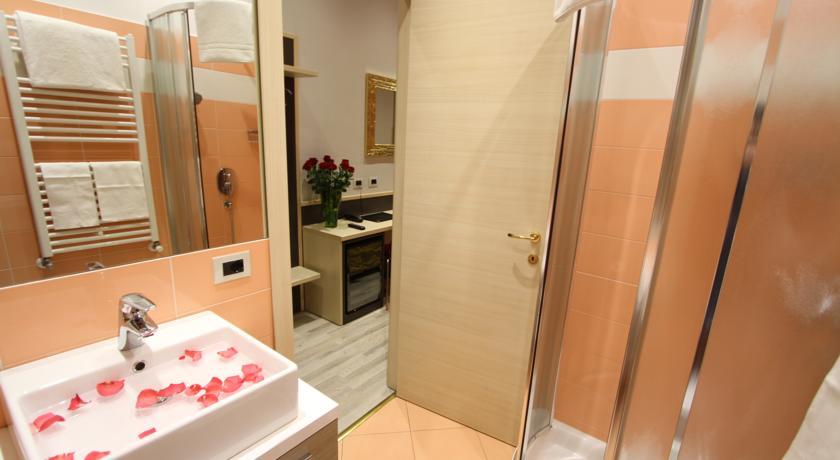 Bagno privato in camera Hotel L'Artistico a Milano