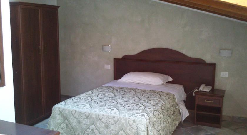 Camere e Ristorante Alba Adriatica vicino Mare