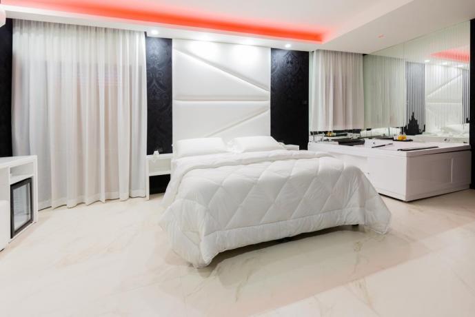 albergo-4stelle-spa-privata-jacuzzi-hotel-ghiandaia-napoli-casapulla