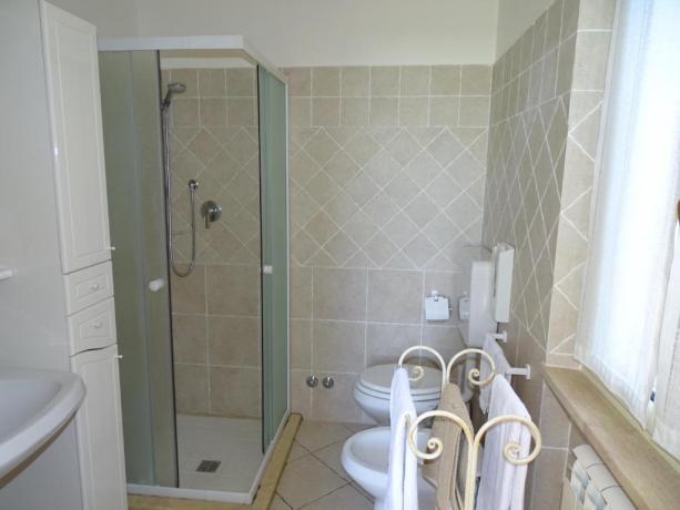 Bagno privato dell'Appartamento vacanza bilocale 2+2