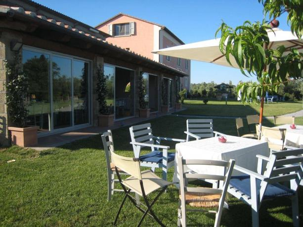 Agriturismo giardino Lago Bolsena mare Terme Vulci
